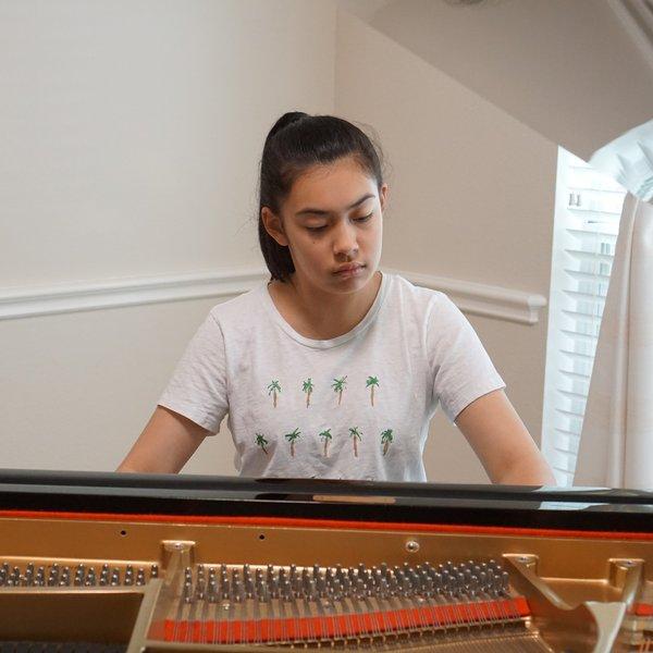 2019 Recipient Anastasia Loiko, piano
